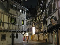 http://www.historylines.net/img/Conferences/big/Petite_France_Neighborhood_Strasbourg.jpg