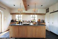 Comment occuper l'espace dans une grande cuisine ?