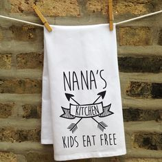 Kitschy Kitchen Towel - This one is a perfect gift for Grandma's kitchen!