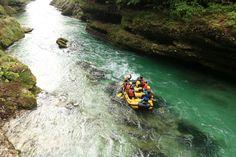Teamausflug auf der Salza #teambuilding #betriebsausflug #raffting Rafting, Boat, Deep, Adventure, Outdoor Adventures, Trench, Water Sports, Campsite, Dinghy