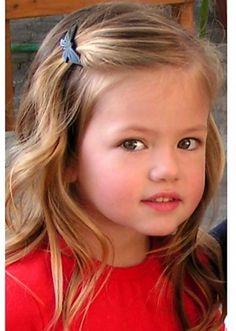 Mackenzie Foy (Renesmee Cullen from Breaking Dawn) as a child model.