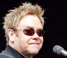 Elton John- Legend!