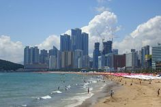 Haeundae: a beachy oasis in the city. Image by Jens-Olaf Walter / CC BY 2.0