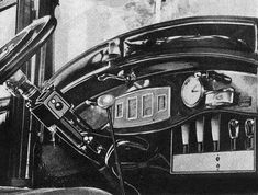 Car Radio: First real Car Radios mass-produced as early as 1925 The first car radio was fitted to an Australian car built by Kellys Motors in New South Wales. 1920s Photos, Australian Cars, Old Gas Stations, Antique Radio, Car Museum, First Car, Love Car, Vintage Racing, Inventions