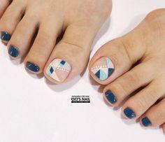 Pretty Toe Nails, Cute Toe Nails, My Nails, Hair And Nails, Cute Pedicure Designs, Toe Nail Designs, Pedicure Nail Art, Toe Nail Art, Korean Nails