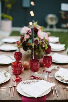 Marsala glassware. Hosted by @100layercake Photo by Paige Jones.