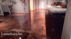 Lantai kayu Denpasar - Bali. Proyek pemasangan lantai kayu Bali kali ini di Westin Hotel & Resort Bali. Desain interior menggunakan kayu jenis Merbau sudah di finishing sehingga warnanya tampak mengkilap indah.