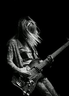 Kim Gordon   black & white   perform   electric guitar   onstage   rock n roll   music