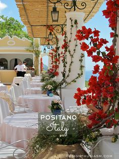 Photos of the breathtaking interiors at Le Sirenuse, the magnificent boutique hotel in POSITANO, ITALY | photos: Designthusiasm.com #travel #amalficoast #italy