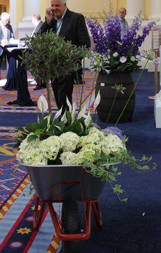 Unos precioso arreglos florales en un congreso sobre bricolaje y jardín en París.