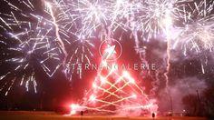Dieses Pyromusical ist ein Feuerwerk der besonderen Art. Genau auf die Musik und den auf den Takt abgestimmten Effekten ergibt es ein extravagantes Gesamtkonzept