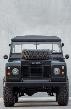1973 Series 3 Land Rover custom by Cool Vintage Cool Trucks, Cool Cars, Offroad And Motocross, Cool Vintage, Land Rover Defender, Series 3, Range Rover, Toyota Land Cruiser, Trucks