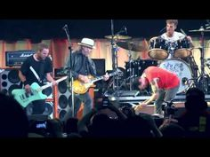 Pearl Jam with Neil Young - Rockin in the free world Toronto 2011 COMPLETE - YouTube