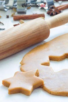 Les biscuits sablés de Noël au Companion sont une pâtisserie facile à réaliser. #recette#cuisine#biscuit #biscuits #sablee#patisserie #robot #robotculinaire #companion Robot, Cookies, Desserts, Sweet Cookies, Cooking Recipes, Crack Crackers, Tailgate Desserts, Deserts, Biscuits