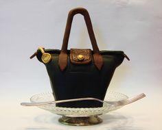 Custom replication of purse mini cake design for client. Prada Purses, Prada Handbags, Bag Cake, Purse Cakes, Luggage Cake, Gucci Cake, Couture Purses, Fashion Cupcakes, Elegant Cupcakes