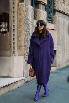 Fall Street Style Outfits to Inspire - Mode/Fashion/Style - 784189353850859316 Autumn Street Style, My Black, One Color, Ideias Fashion, Summer Outfits, Womens Fashion, Fashion Fashion, Sweaters, How To Wear
