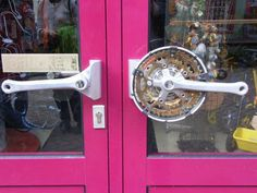 23 Times Trashed Bike Components Were Put To Absolutely Epic Use - Mpora