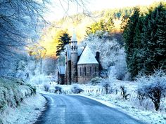 St Palladius Church at Drumtochty - The perfect venue for a fairy tale wedding