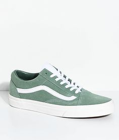The Old Skools were Vans' first pair of skateboarding shoes with reinforced panels and double stitching to increase durability and strength in high-abrasion areas. This Retro Sports Sea Spray Edition of the Vans Old Skool Skate Shoes features a sea green