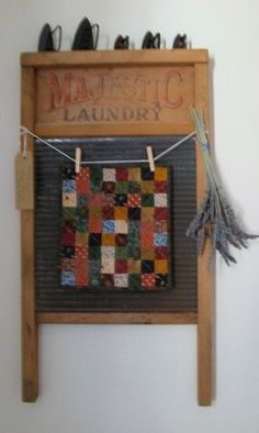 Humble Quilts: Charlotte's Quilt DecorGreat way to display a mini quilt! Old Quilts, Small Quilts, Mini Quilts, Vintage Quilts, Quilting Room, Quilting Projects, Washboard Decor, Quilt Hangers, Quilt Racks