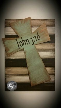 Pallet sign with cross www.scwoodworkart.com