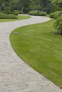 Stijn Cornilly Stone walkway