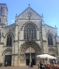 There are so many beautiful places in Bordeaux to get married - post coming soon  Just stunning and totally inspiring  Happy Friday from Bordeaux guys  #bordeaux #church #wheninbordeaux #saintpierre #weddingideas #weddinginspo #weddinginspiration #destinationwedding #frenchwedding #julywedding #wine #bordeuxwine #happyfriday #friday #weddingtasker #weddingplanner #weddingblog #weddingblogger #devinebride