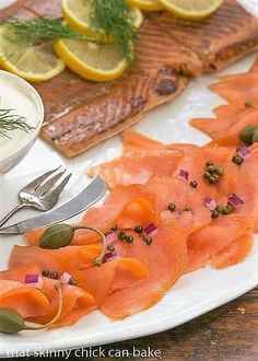How to Make a Smoked Salmon Platter - An easy no recipe needed dish to serve for breakfast lunch or as an appetizer! Smoked Salmon Platter, Smoked Salmon Appetizer, Smoked Salmon Recipes, Easy Brunch Recipes, Appetizer Recipes, Appetizer Party, Brunch Ideas, Dessert Recipes, Seafood Recipes
