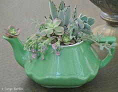 14 Mesmerizing DIY Teapot Planters That Will Impress You | FYF