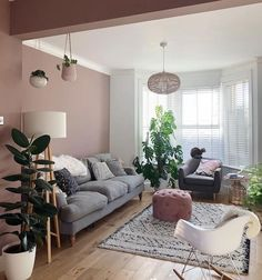 ▷ 1001 + paint color ideas for a bright and welcoming living room Blue And Pink Living Room, Living Room Grey, Home Living Room, Living Room Goals, Living Room Decor Cozy, Living Room Interior, Room Wall Colors, Wall Paint Colors, Black And White Carpet