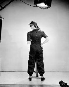 """© Lee Miller - """"Fashion for factories"""" (Mode pour les usines), Vogue Studio, London, England, 1941"""