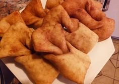 KREPPEL (torta frita alemana) Receta de Ricardo Gross - Cookpad Snack Recipes, Snacks, Food To Make, Chips, Yummy Food, German, Cold, Torte Recipe, Easy Food Recipes