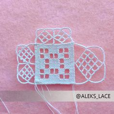 Lace Making, How To Make, Inspiration, Crochet Necklace, Lace, Necklaces, Cute Art, Crocheting, Dots