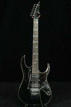 Electric Guitar Kits, Vintage Electric Guitars, Black Electric Guitar, Guitar Images, Steve Vai, Made In Japan, Guitar Case, Ibanez, Gibson Les Paul