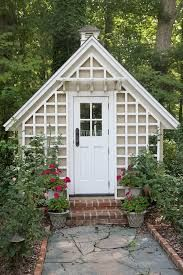 30 Wonderfully Inspiring She Shed Ideas For Your Backyard Getaway 30 Wunderbar inspirierend Sie hat Garden Gazebo, Backyard Sheds, Outdoor Sheds, Backyard Retreat, Garden Sheds, Backyard Cottage, Side Garden, Cottage Gardens, Outdoor Gardens