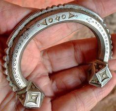 Old Tuareg Traditional Bracelet or Alkis, Mali by TuaregJewelry on Etsy https://www.etsy.com/listing/494252990/old-tuareg-traditional-bracelet-or-alkis