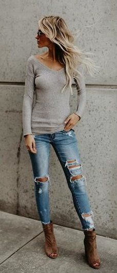 #fall #outfits women's gray V-neck long sleeve shirt