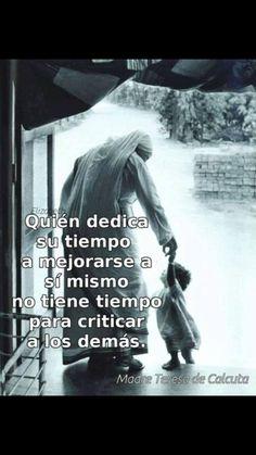 Spanish Inspirational Quotes, Inspirational Prayers, Spanish Quotes, Real Life Quotes, True Quotes, Bible Quotes, Mother Theresa Quotes, Mother Teresa, Healing Words