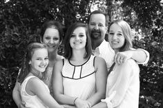Family photography with teens Summer Family Pictures, Beach Family Photos, Family Pics, Beach Photos, Girl Photos, Couple Photos, Holiday Photography, Family Photography, Photography Poses