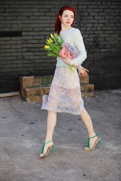 Jane Aldridge of Sea of Shoes in a lovely spring outfit with punchy green heels // #Pastel #StreetStyle