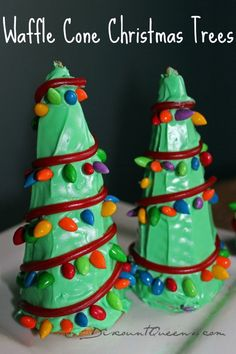 Waffle Cone Christmas Trees | Discount Queens. So cute decorated with 'Sunbursts' (candy/chocolate covered sunflower seeds), from WinCo Bulk Foods! #holiday #christmas #kidfriendly