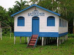Igreja Adventista do Sétimo Dia na Amazônia, Brasil.  Fotografia: http://dvdonitm.no.comunidades.net