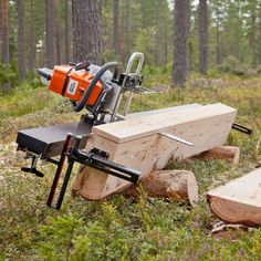 Lumber Mill, Wood Mill, Woodworking Tools For Beginners, Woodworking Jigs, Homemade Chainsaw Mill, Chainsaw Mill Plans, Portable Saw Mill, Log Furniture, Wood Tools