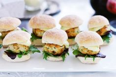 Mini ginger chicken burgers with lime mayo. These little gourmet chicken burgers make the perfect light meal, snack or finger food. Tapas, Gourmet Chicken, Chicken Recipes, Christmas Finger Foods, Ginger Chicken, Chicken Buns, Chicken Fingers, Thai Chicken, Chicken Wraps