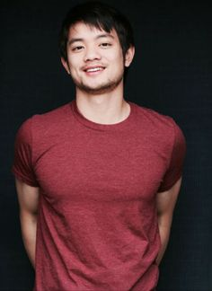 Osric Chau - Kevin Tran--- one of the nicest and kindest actors at the conventions