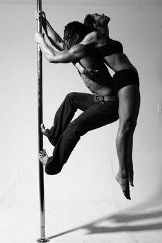Pole Dance Positionen nackt nackt — 10