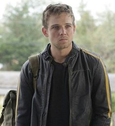 'Bates Motel' Main Cast and Characters: Max Thieriot as Dylan Massett Dylan Bates Motel, Bates Motel Cast, Bates Motel Season 4, Norman Bates, Max Theriot, Dylan Massett, Teatro Musical, Vera Farmiga, Freddie Highmore