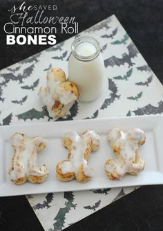 This fun Halloween Cinnamon Roll recipe is easy and quick and a wonderful way to serve up a spooky halloween breakfast! Want to make the kids something special on Halloween for breakfast? These Halloween Cinnamon Roll Bones are a fun and super easy treat! Milk Recipes, Snack Recipes, Sweets Recipes, Easy Recipes, Breakfast Recipes, Halloween Treats, Spooky Halloween, Halloween Decorations, Halloween Party