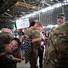 7 Pictures of Military Love That'll Melt Your Heart Military homecoming Military Couples, Military Love, Army Love, Military Police, Military Ball, Navy Girlfriend, Military Girlfriend, Military Relationships, Relationship Goals