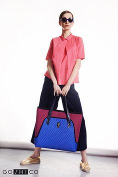 http://goshico.com/en/a-big-shoulder-bag-with-waterproof-material-flowerbag-claret-blue-material.html PRICE: 98.04 €